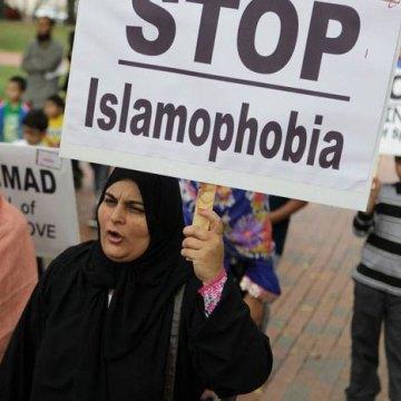 گزارش لوبلاگ از دروغ پراکنی آمریکا علیه مسلمانان