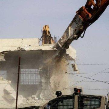 صهیونیست ها منزل فلسطینیها را تخریب کردند