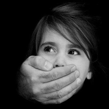 کودک آزاری در رتبه نخست خشونت های خانگی است