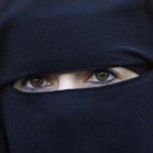 زنان-مسلمان-چینی - استفاده از روبنده برای زنان مسلمان چینی ممنوع شد