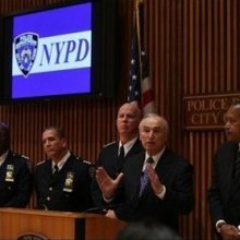 قتل - پلیس نیویورک یک شهروند بیگناه آمریکایی را به ضرب گلوله به قتل رساند