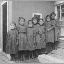 دادستان کانادا: ۶ هزار کودک بومی در مدارس شبانهروزی جان دادهاند - کودکان بومی کانادا