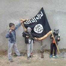 موصل - داعش از کودکان زیر 10 سال برای انجام عملیات انتحاری استفاده می کند