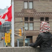 اسلام-هراسی - اخراج سه زن مسلمان در کانادا از کار خود به دلیل داشتن حجاب