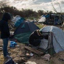 پناهنده - انتقاد دیدهبان حقوق بشر از برخورد پلیس فرانسه با پناهجویان در کمپ