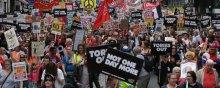 اعتراضات صلحآمیز مردم انگلیس و اقدامات نیروهای امنیتی - تظاهرات