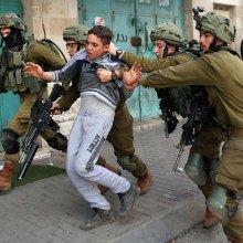 فلسطین - صهیونیست ها ۲۶۰۰ فلسطینی را در نیمه نخست امسال بازداشت کردند