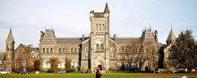 - تحدید آزادیهای دانشگاهی وانتقاد شدید از مدیریت دانشگاه تورنتو